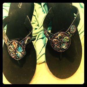 New stylish Sonoma toe-thong flip-flop shoes